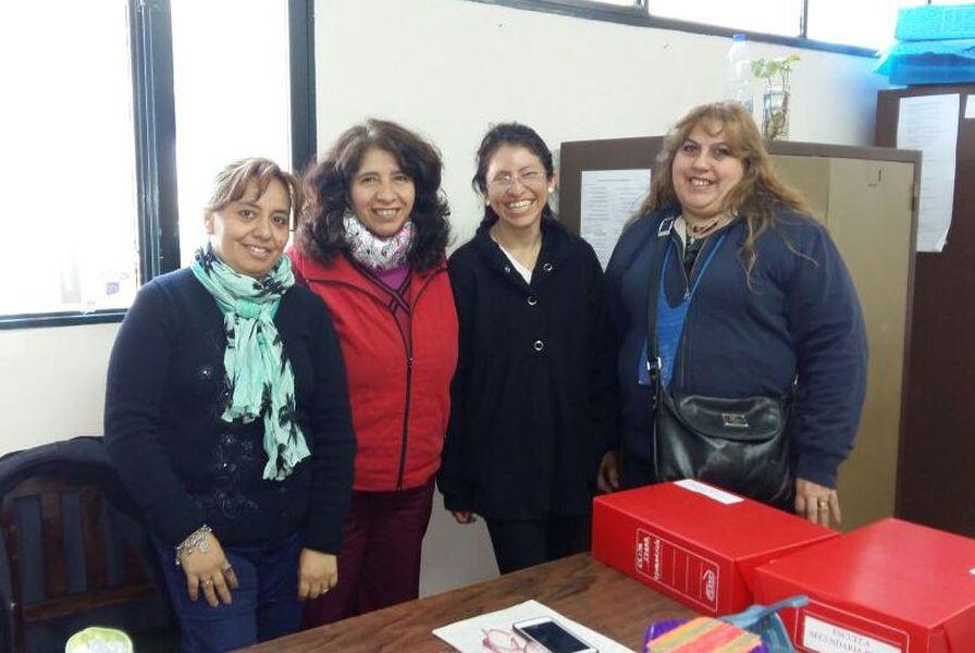 Equipo técnico del Operativo Aprender con supervisora de escuelas rurales virtuales