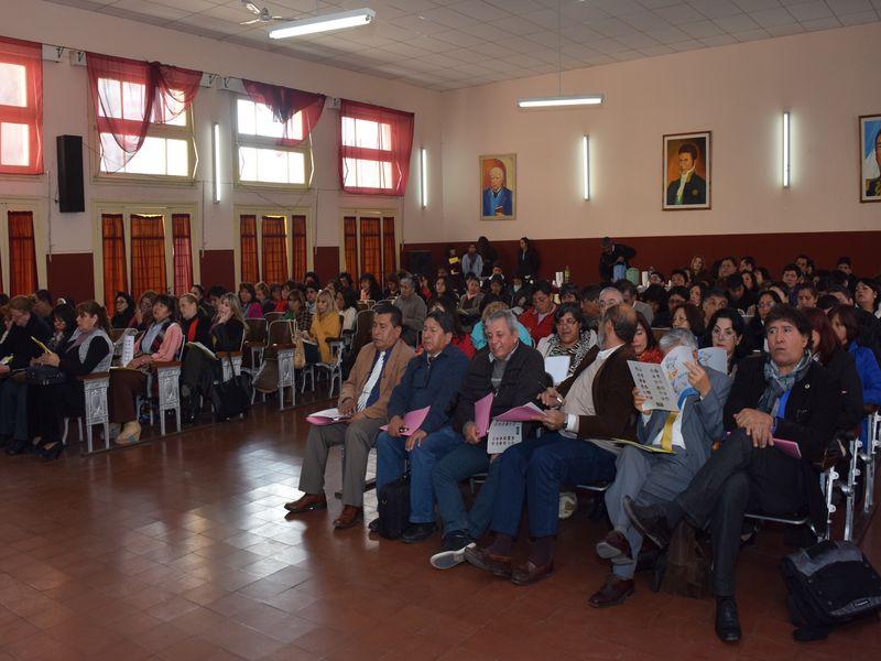 Directores de escuelas de Región III que asistieron a la capacitación del operativo Aprender en la Escuela Monteagudo.