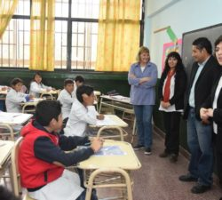 2016. El 99,3 por ciento de las escuelas de nivel primario y secundario de la Provincia de Jujuy evaluaron a sus alumnos el 18 de octubre, en el marco del Operativo Nacional de Evaluación Educativa Aprender. Participó el 90 por ciento de los estudiantes de escuelas primarias y secundarias del interior y capital.