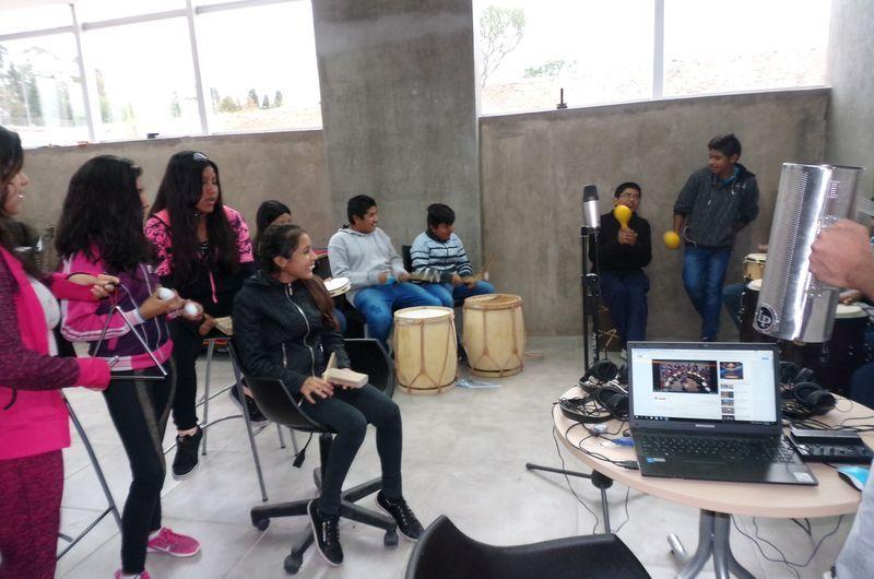 Alumnos de la escuela Mallagray visitan Infinito por Descubrir