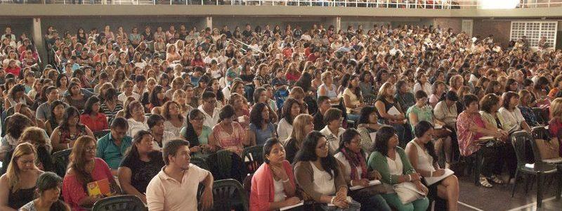 Más de 1500 docentes asistieron a los talleres de Neurociencias y Educación. La capacitación fue una iniciativa del Ministerio de Educación y Deportes de la Nación, a través de la Secretaría de Innovación y Calidad Educativa, la Fundación INECO y la Secretaría de Planeamiento del Ministerio de Educación de Jujuy de manera conjunta.