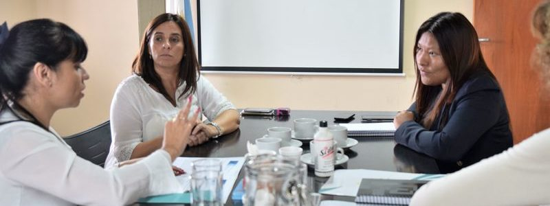 """El Ministerio de Educación suscribió un convenio de cooperación con la Dirección Provincial de Estadística y Censos en el marco del proyecto denominado """"Sistema de Indicadores Sociales y Económicos sobre la Niñez y Adolescencia"""" (SIISENA)."""