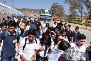Doce mil estudiantes de capital e interior fueron trasladados en forma diaria a la megamuestra Tecnópolis Federal por el Gobierno provincial a través de un operativo instrumentado por el Ministerio de Educación y la Secretaría de Transporte, que totalizó 2020 viajes con la movilización de 180 unidades diarias.