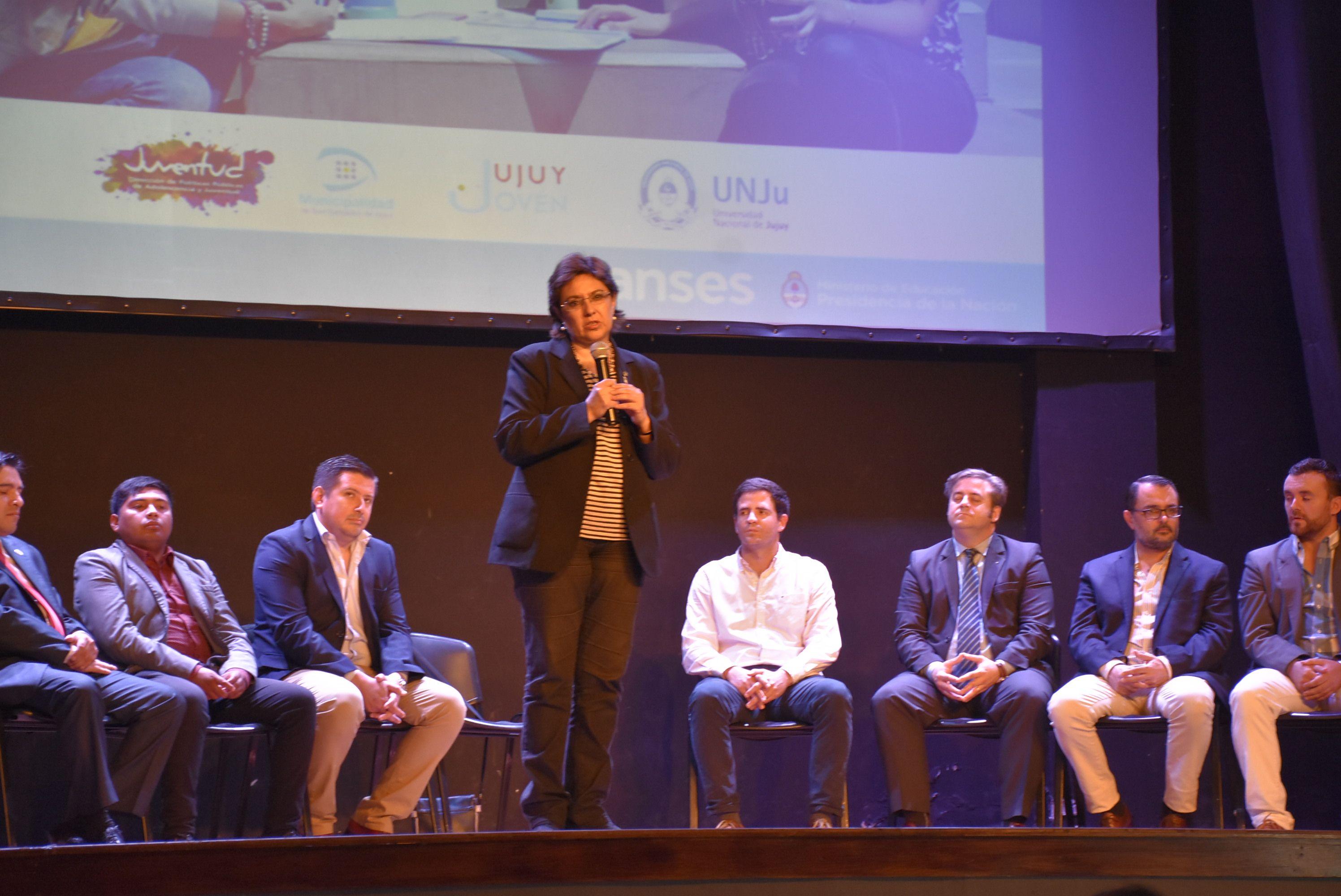 La ministra de Educación, Isolda Calsina, asistió a la presentación de las nuevas becas Progresar, evento destinado a estudiantes universitarios. Marzo 2018