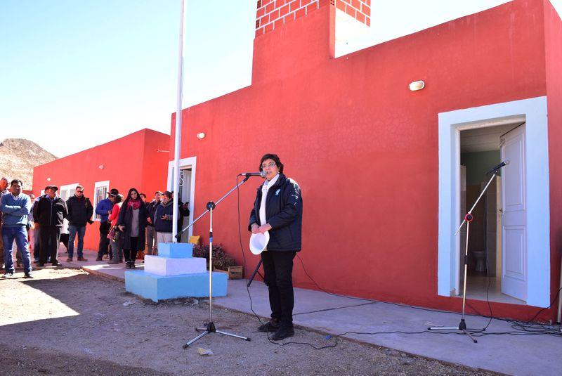 La ministra de Educación, Isolda Calsina, en la inauguración del edificio para el Seundario de La Ciénaga, departamento de Santa Catalina. Junio 2018