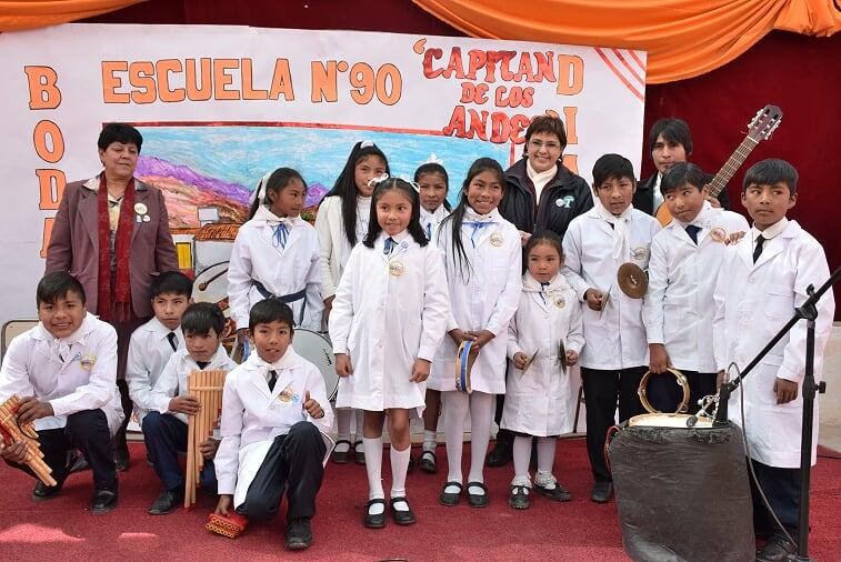 """La Escuela N° 90 """"Capitán de los Andes"""" situada en la localidad de Tres Cruces (Departamento Humahuaca) celebró el aniversario de sus 75 años con una multitudinaria y emotiva fiesta.. junio 2018"""