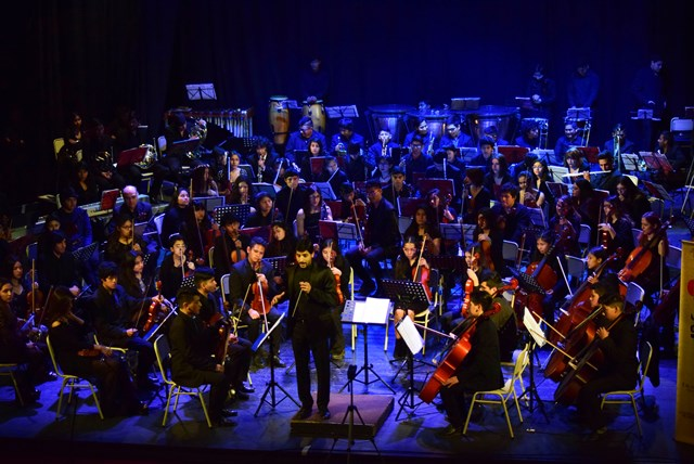 La Orquesta Juvenil del Norte –integrada por cien músicos de Jujuy y Salta-  se presentó en el Teatro Mitre, bajo la dirección de Martín D´Elía y Edgar Vivas. Agosto 2018