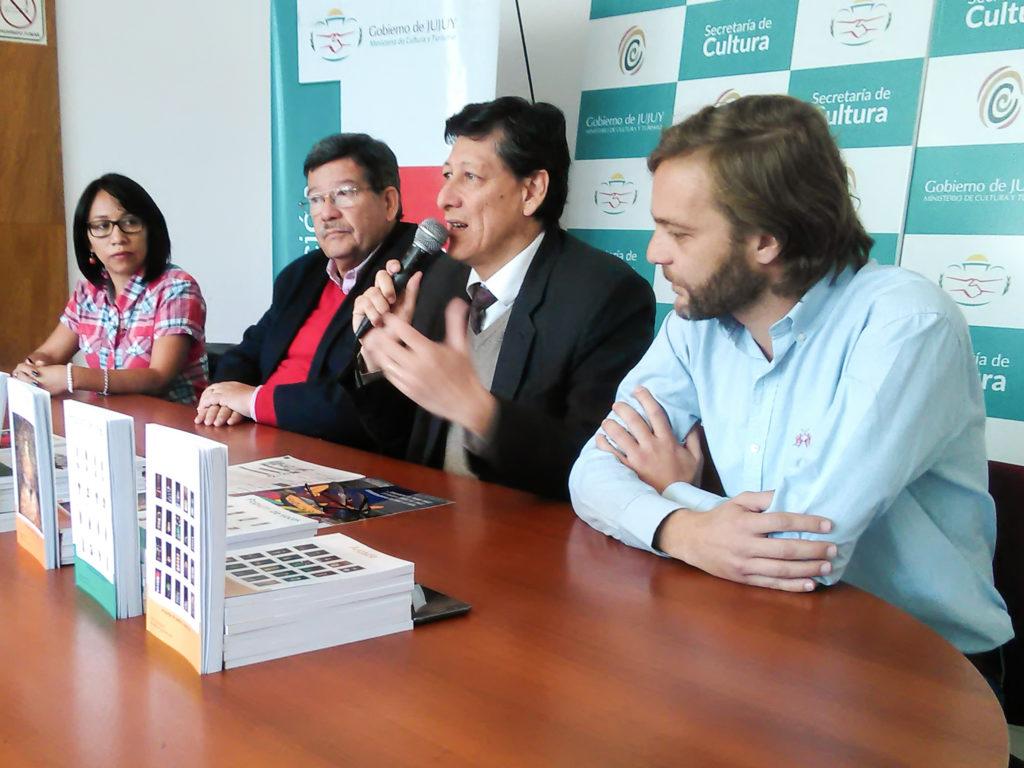 Aldana durante sus palabras en la entrega de premios, junto al Ministro Oehler, la Directora, Chambi y el Coordinador Chedrese